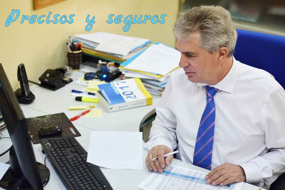 Domingo Martín organizando el departamento de asesoría contable y fiscal de GescomSL